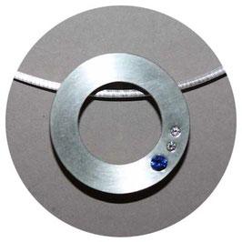 Silberanhänger mit Safir und Brillanten