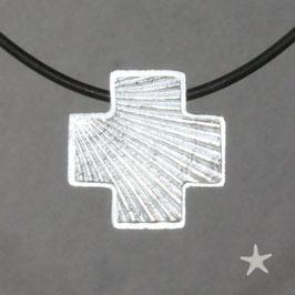 Kreuzanhänger mit Struktur der Jakobsmuschel, schlicht
