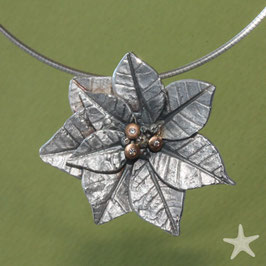 Weihnachtsstern, Blüten Anhänger Silber mit Gold und kleine Brillanten
