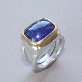 Unikat Ring handgefertigt mit Tansanit , in 925 Silber, 999Feingold