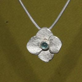Hortensien Anhänger, kleine Blüte mit Turmalin