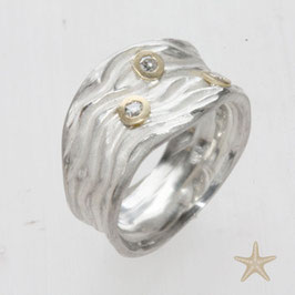 Unikat Ring, handgefertigt ,Wellen und Brillanten, Silber, Gold