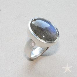 Unikat Ring handgefertigt mit Labradorit, Labradorit Ring,oval, in 925 Silber