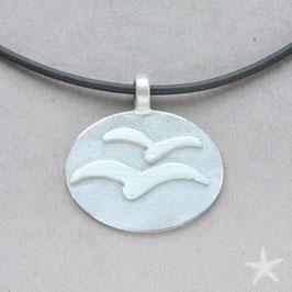 Anhänger mit Möwen, Silber, oval