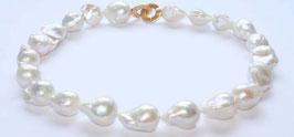 große, barocke Perlenkette, 22mm x 14mm