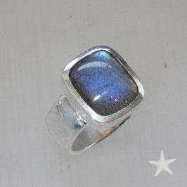 Unikat Ring handgefertigt mit Labradorit, eckig, in 925 Silber
