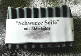 """""""Schwarze Seife"""" mit Aktivkohle"""
