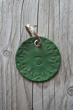 Porte-clés en cuir vert - lettre C