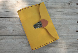 Agenda organiseur bicolore en cuir jaune safran et fauve - cousu-main