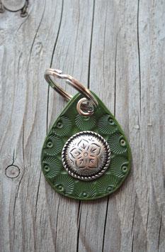Porte-clés en cuir vert et concho