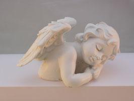 Engel Raphael rechtsliegend