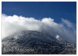 Nuage et sommet du Puy de Dôme