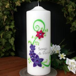Hochzeitskerze Sonja mit Blüten