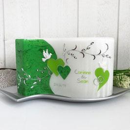 Hochzeitskerze Cornelia mit Herzen, grün, Wellenkerze mit Perlmuttstruktur