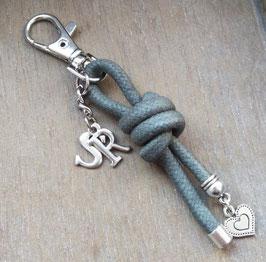 Knoten mit 2 Buchstaben (S IST AUSVERKAUFT)