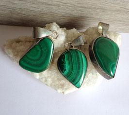 Malachite, pendentifs cerclés
