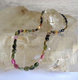 Tourmaline muticolore, collier perles ovales