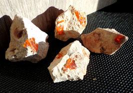 Opale de feu, sur matrice