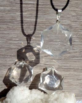 "Cristal de roche, pendentifs ""sceau de Salomon"""