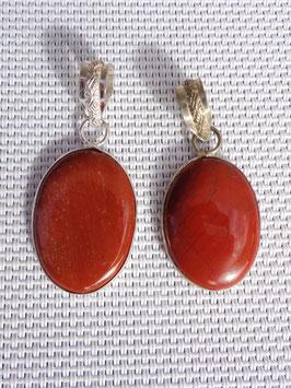 Jaspe rouge, pendentifs cerclés