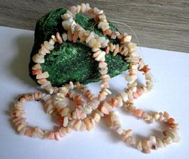 Opale rose, perles baroques
