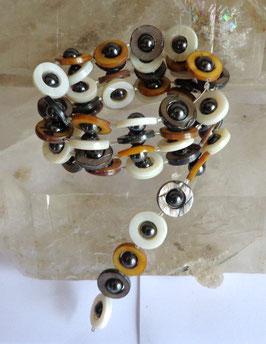 Nacre teintée et hématite aimantée, collier magnétique