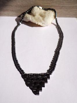 Hématite, collier triangle