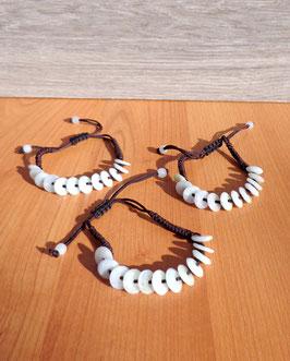 Jade, bracelets shamballa, disques chinois