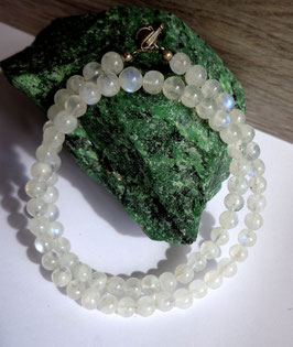 Pierre de lune, collier perles 6 mm