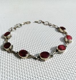 Rubis facetté, bracelet chaîne