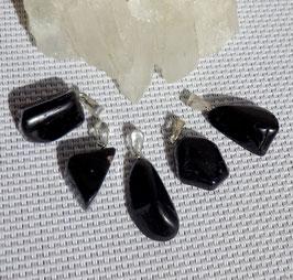 Tourmaline noire, pendentifs roulés