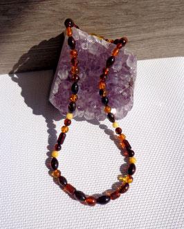 Ambre, collier perles variées