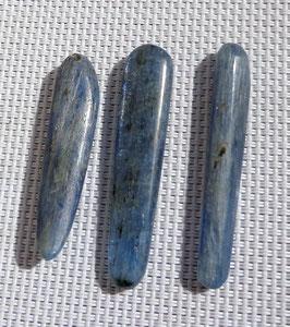 Cyanite (disthène bleu), bâtonnets polis
