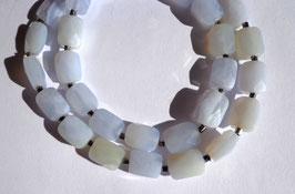 Calcédoine, collier perles facettées