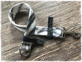 Halsband ZEBRA grey II, schmal, mit Karabinerverschluss
