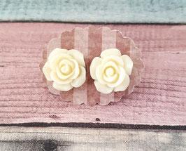 Ohrstecker Paar in Edelstahl mit Blume in creme-weiß