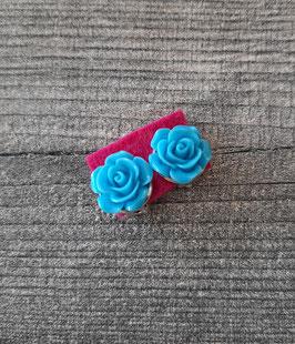 Ohrclips Paar mit einer Blume in blau, 12mm