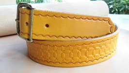 Ledergürtel mit Punzierung -  Gelb