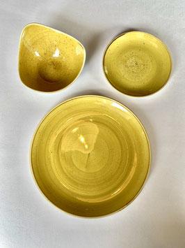 Churchill Stonecast Geschirr Mustard Yellow mit Autogramm