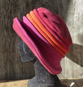 Chapeau en tissu polaire fuchsia/orange/bordeaux