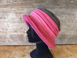 Chapeau en tissu polaire roses et gris