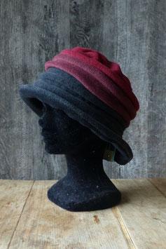 Chapeau en tissu polaire noir/gris et bordeaux