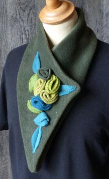 Col Echarpe Vert Kaki -  boutons de roses verts