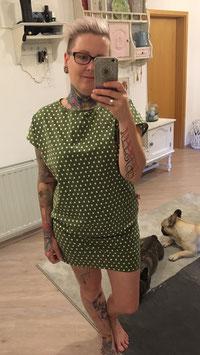 Kleid Susen grün mit Sternen
