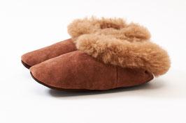 Hausschuhe aus Leder mit Schaf- und Alpaka-Fell