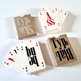 Typografische Kartenspiele