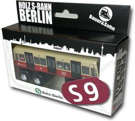 Holz S-Bahn Berlin S9