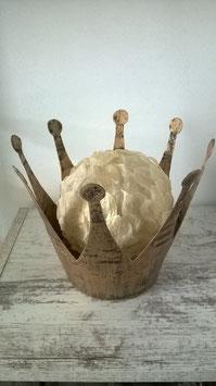 Krone Metall mit Kugel aus Lunariablättern innen beleuchtet mit LED Lichterkette