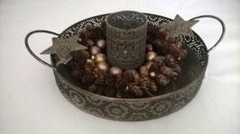 Tablett rund mit Griffen Farbe: Antik / Gold mit Teelichalter, Zapfenring und Dekosternen