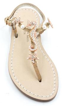 Sandali artigianali cavalluccio marino cuoio e rosa corallo.